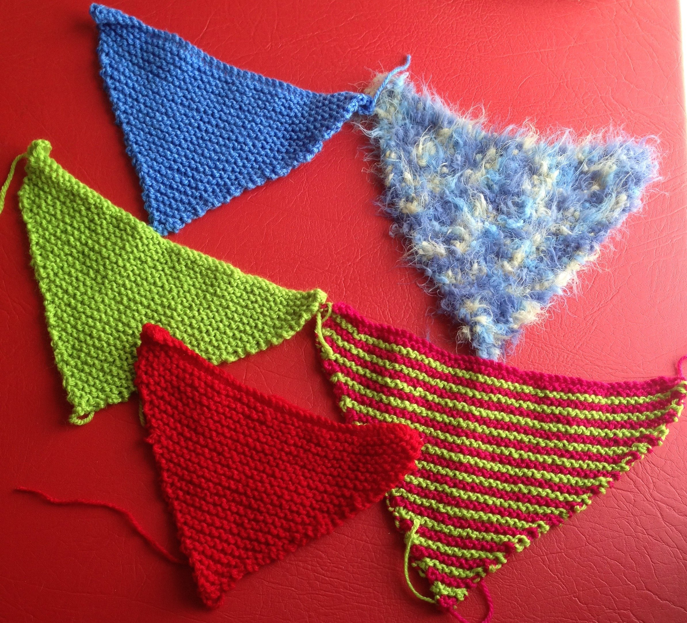 Bunting Knitting Pattern : Knitfest Bunting to knit/crochet